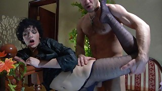 Funky gal gets her nyloned feet serviced by a guy lusting for her wet pussy videos