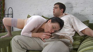 Curvaceous mommy eats some fresh meat and parts her ripe stockinged thighs videos