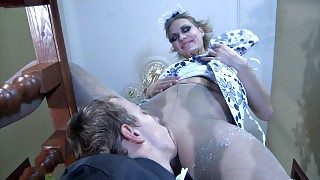 Doll-faced waitress giving head and spreading her pantyhosed legs for a rod videos