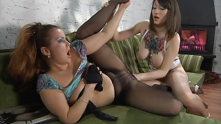 Pantyhosed teaser gives hot downtrousers view aching for a lesbian workout videos